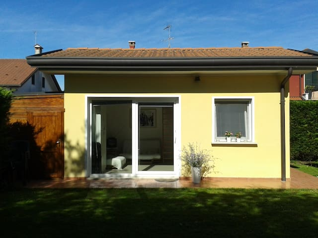 PADOVA, small house with garden - Padua - Huis