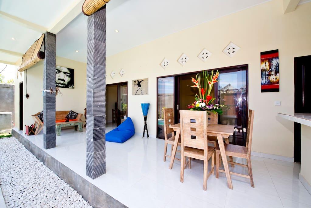 Cozy villa in Seminyak with pool