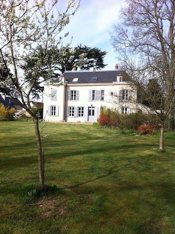 Maison de charme + jardin Chartres - Champhol - บ้านพักตากอากาศ
