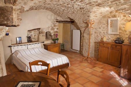 Chambre d'hôte au pied du Luberon - Cucuron