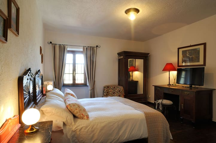 Country House B&B Double Room Valley View - Garlenda - Bed & Breakfast