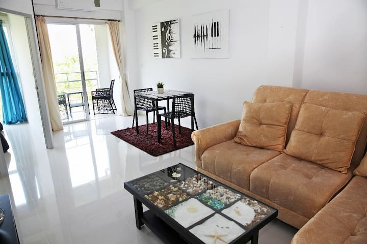 Beach Front Condo, Laem Mae Phim , Rayong - Klaeng District - Apartment