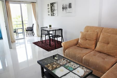 Beach Front Condo, Laem Mae Phim , Rayong - Klaeng District
