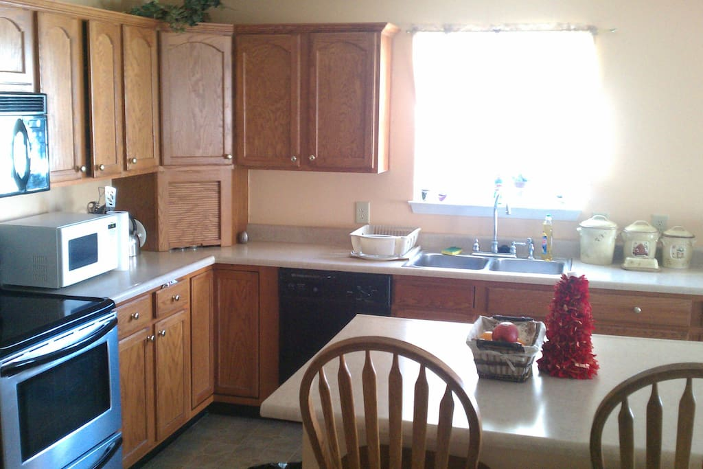 Beautiful Home For Rent In Avon