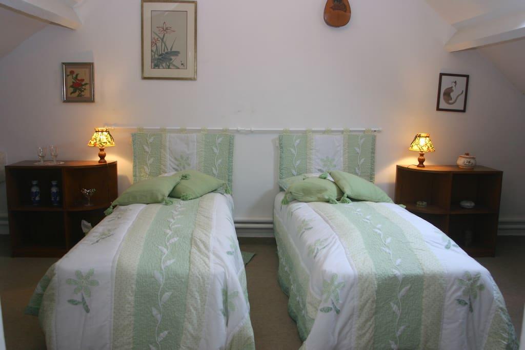 Possibilité d'ajout d'un lit d'appoint pour la 5e personne.