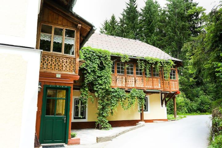 "Ferienhaus Loitzl ""Lucker Mühle"""
