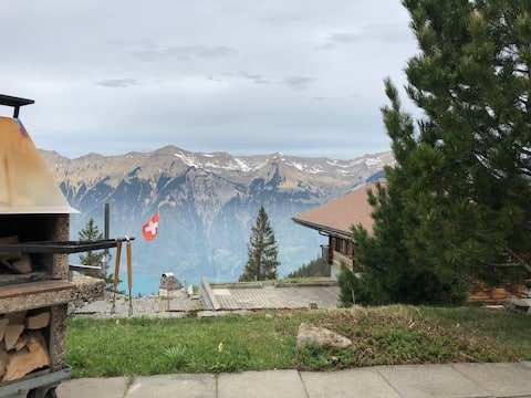 Chalet Bijou, Axalp with mountain and lake view