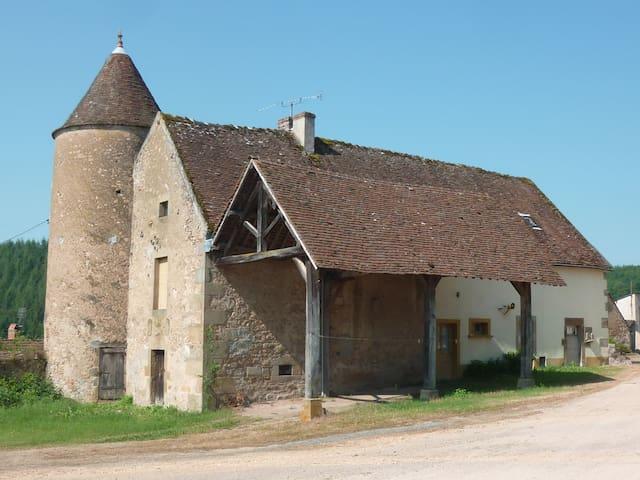 Maison Sivry tussen natuur en wijn - Sivry (Voudenay) - Casa