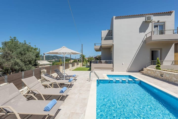 Neaira Luxury Villa - 3 Bedrooms, Private Pool, Near Chania