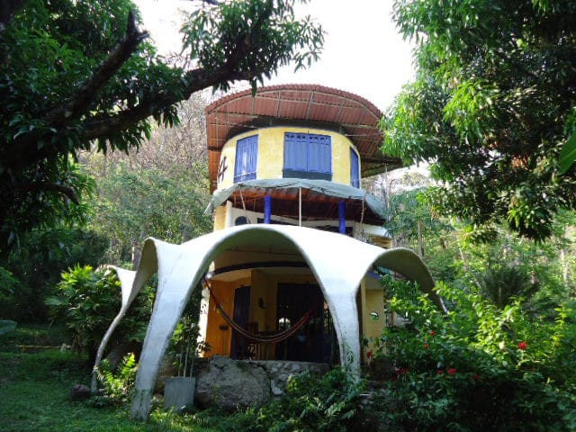 Montezuma beach jungle artist house - Montezuma - House