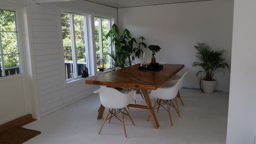 Lovely house very close to the beach and the zoo - Kristiansand - Haus