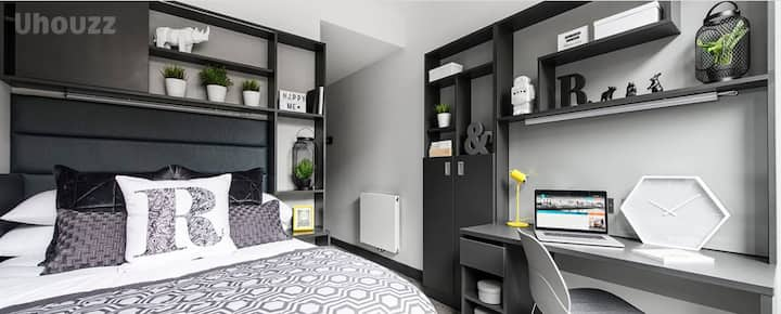 Student Only Property: Incredible Premium En-suite - LOS 12 months 10% off