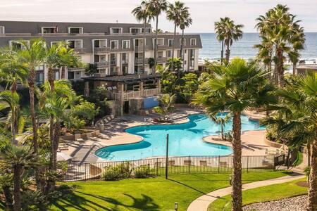 Resort Living at the Beach - Oceanside