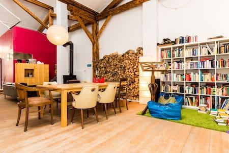 Zimmer in Atelier/Loft - Colònia