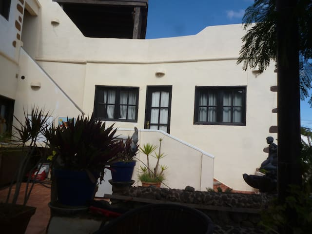 aparment in alter finca ruhige lage - Güime - Appartement