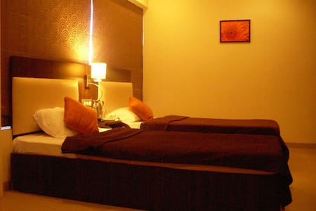 Its An Executive Room with twin bed - Mumbai