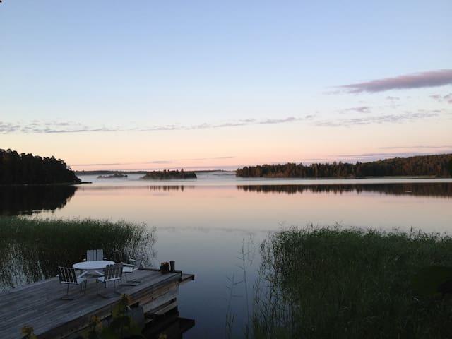 Waterfront cottage 1 hr fr. Sthlm - Norrtälje