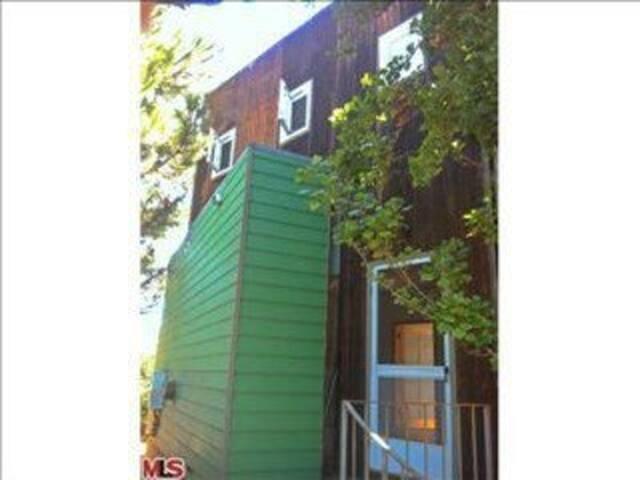 Modern Loft Guest House Lg Yard