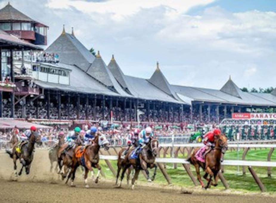 10 Minutes from Saratoga Race Track