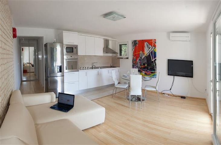 Luxury apartment in center of Hvar