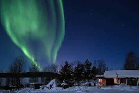 Cabin along Torne river 25 km from Kiruna - Kiruna N - Blockhütte