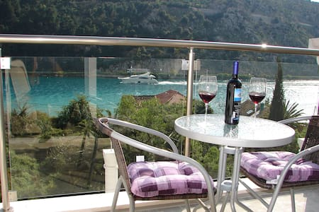 Apartments Ines with sea view II -  Dubrovnik