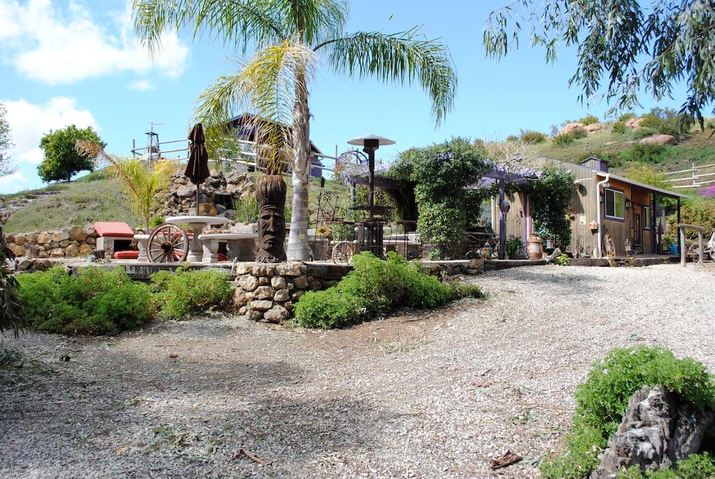 Malibu wine trail bunkhouse on great spirits ranch for Schierandosi casa di ranch