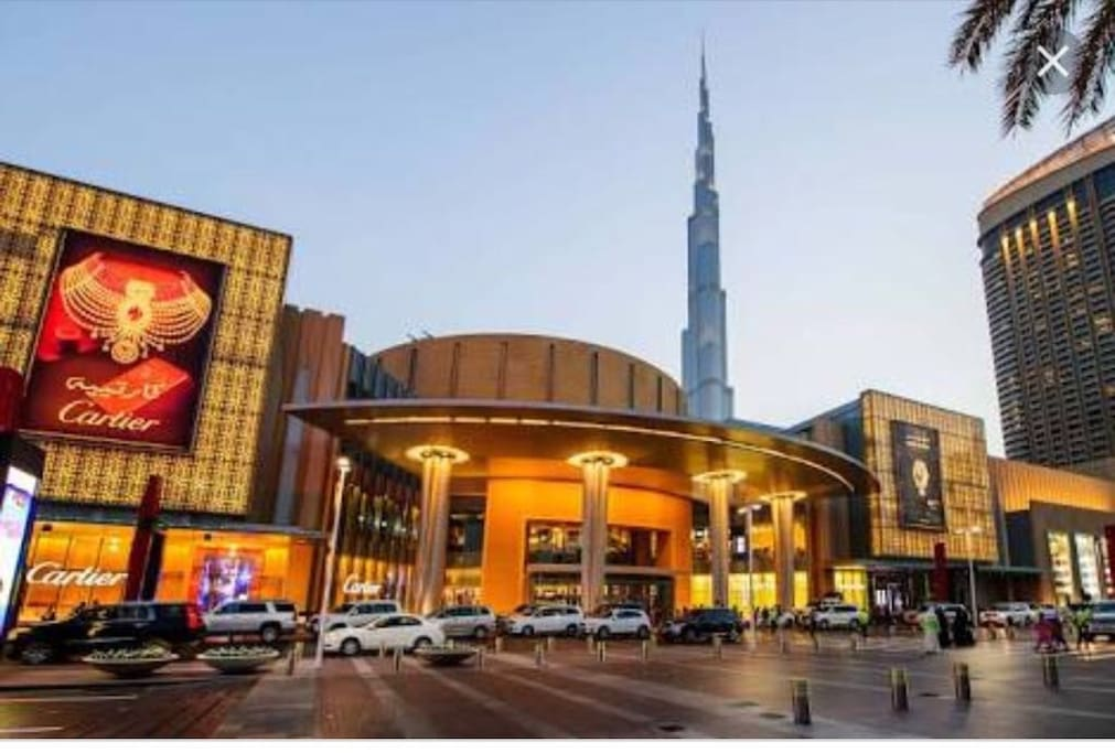 5 min walk to Dubai Mall