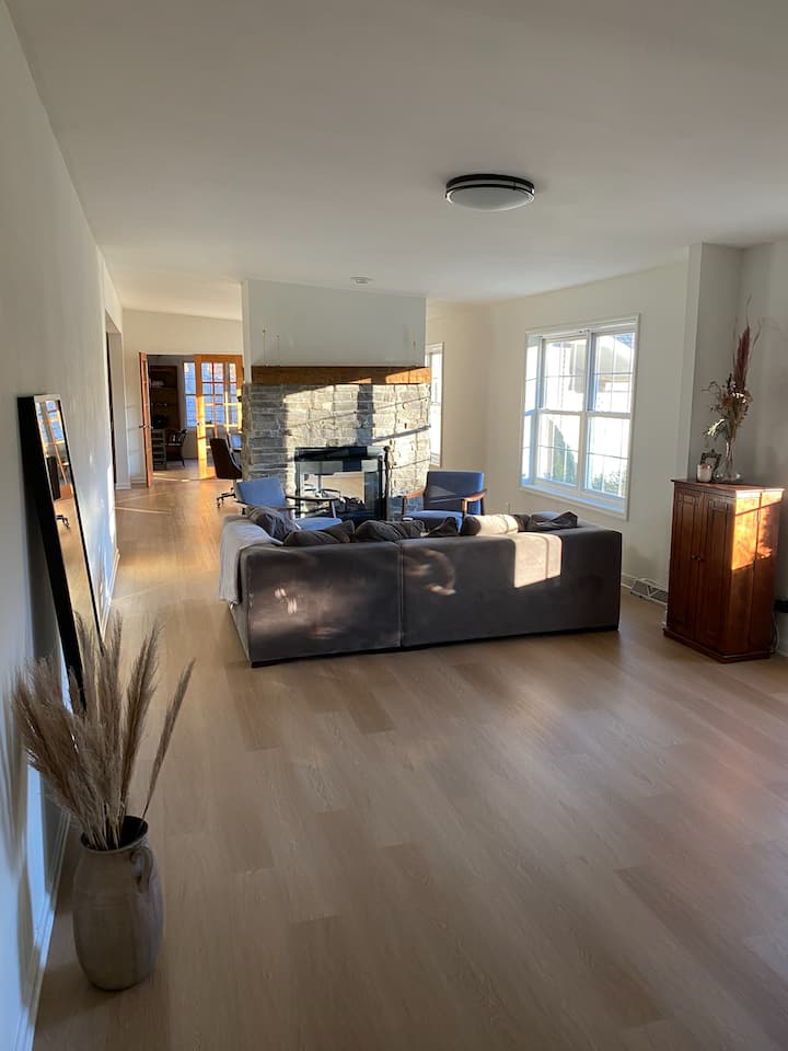 NYCGetaway! 4Br, Secluded 10acr +8min to Kingston
