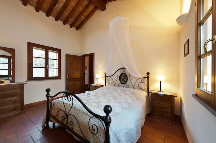 Cosy Tuscany cottage with sea view - Leghorn - House