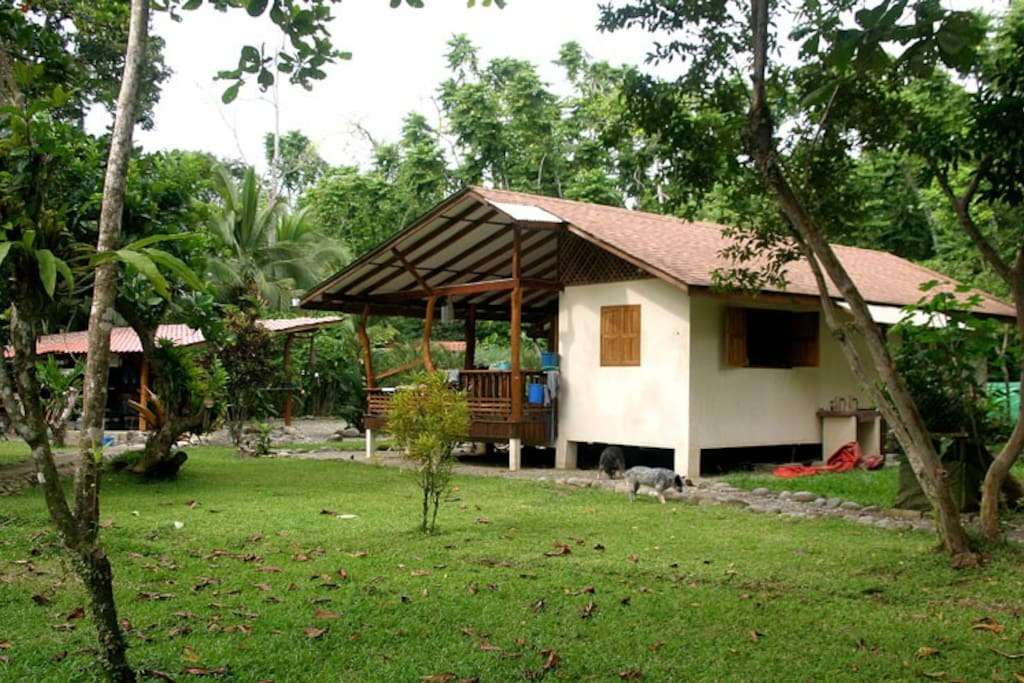 Caribbean secret houses for rent in cahuita limon for Costa rica rental houses
