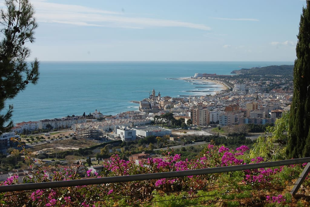 Casa cielo splendida ville in affitto a sitges for Ville in affitto a barcellona