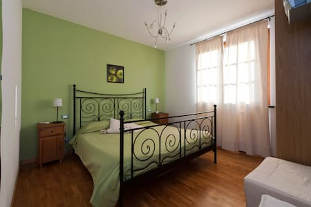 Tuscany Holiday Villa  with garden - San Giuliano Terme - Villa