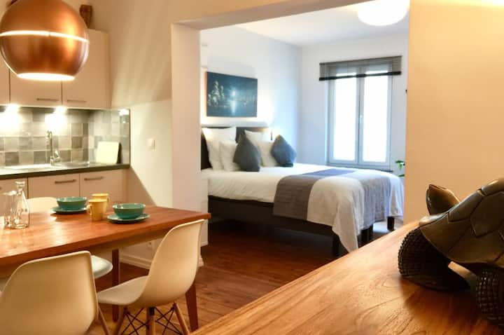 New & Comfortable, Near Grand Place & Midi Station
