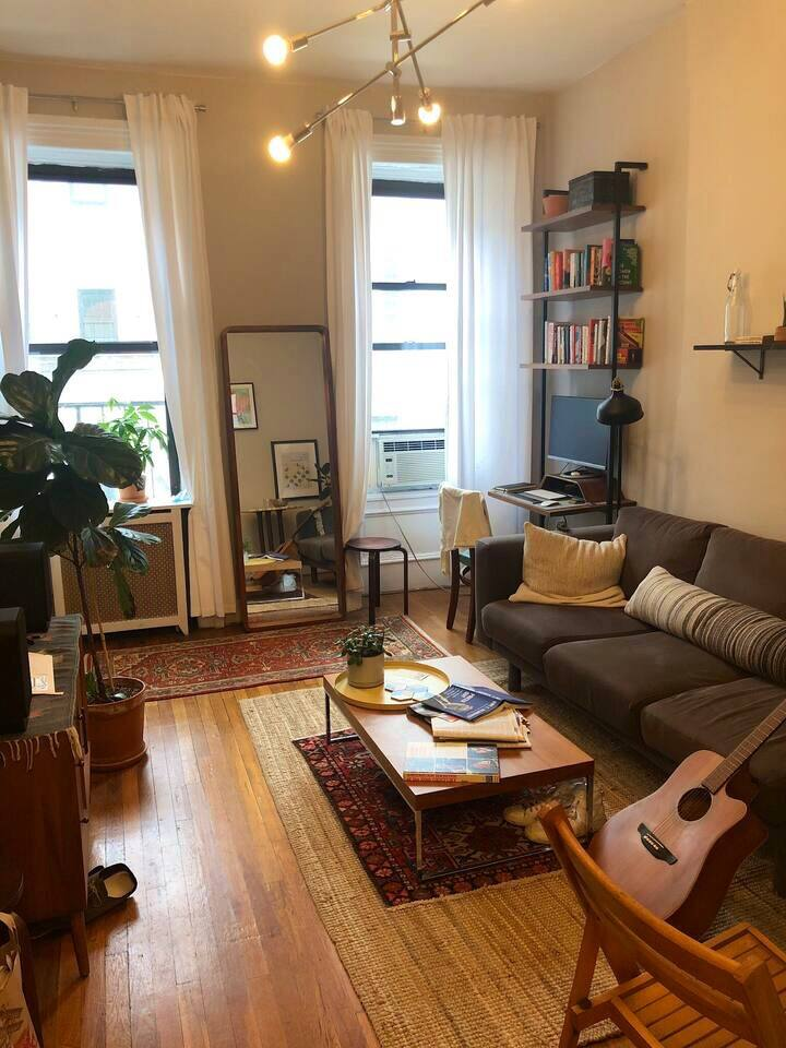 Sunny 1 BR in Chelsea w/ workspace (1 month+ only)