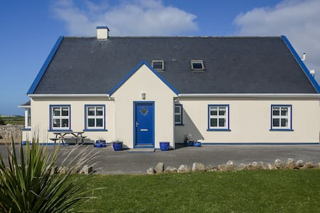 Nellie Dee's Doolin Home from Home