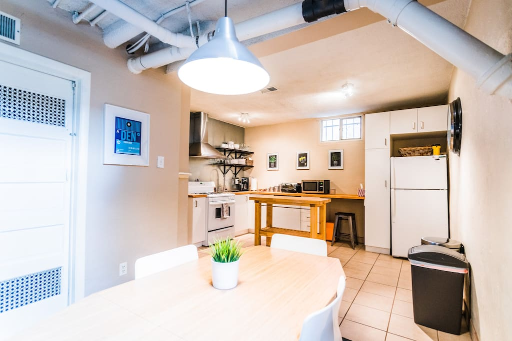 Comfy 2 Bedroom Basement Apt City Park South Guest Suites For Rent In Denver Colorado