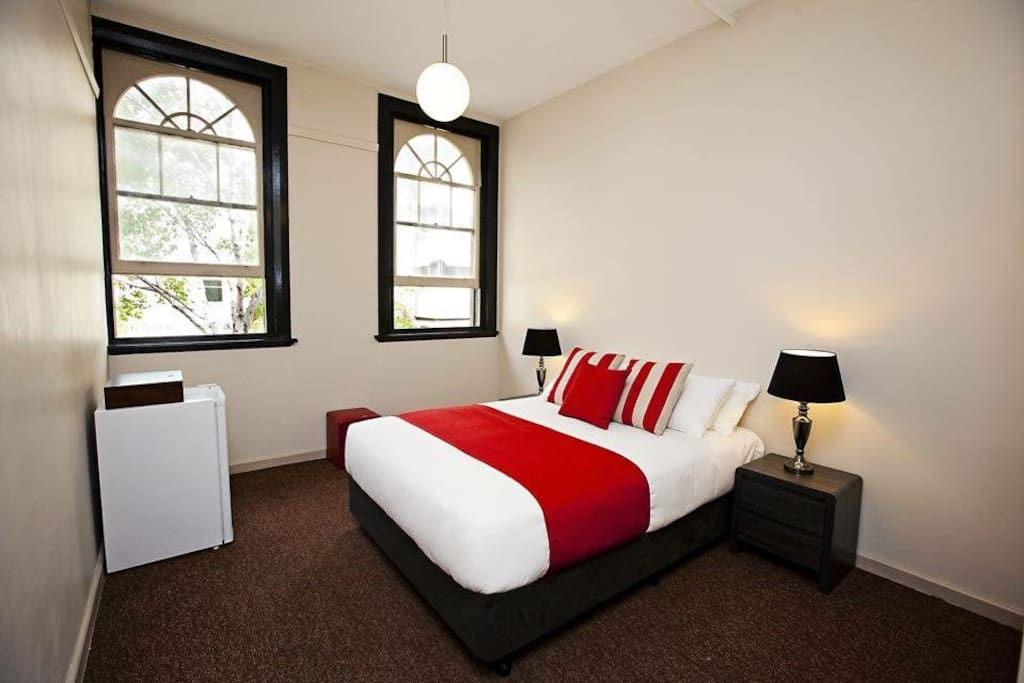 Macquarie house king twin room 1 serviced apartments for Best private dining rooms hobart