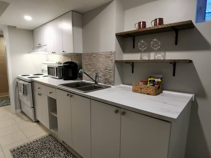 Private and cozy suite close to downtown