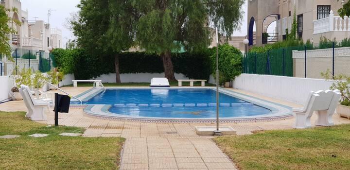 Villa familiale privée avec piscine résidentiel