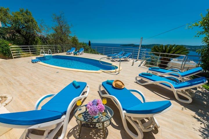 Villa Sunce-Amazing Sea View and Swimming Pool