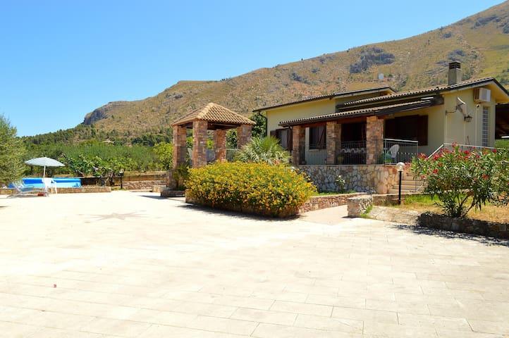 SC019 Villa 5 posti immersa nella natura + bbq - Castellammare del Golfo - Apartament