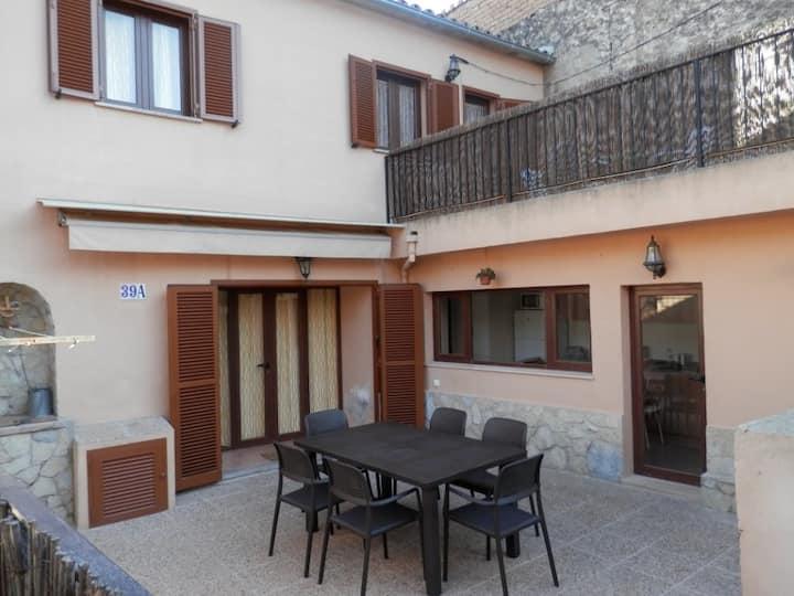 Maison typique dans village de charme ETVPL/12875