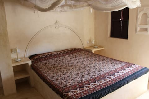 Beautiful fully furnished flat 10 mins from sea