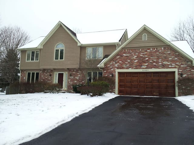 House 6+ in Suburbs for Super Bowl - Zionsville - Dům