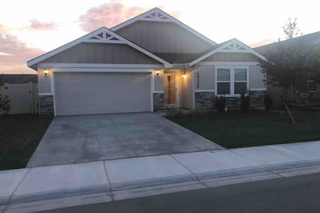 Simmons Manor