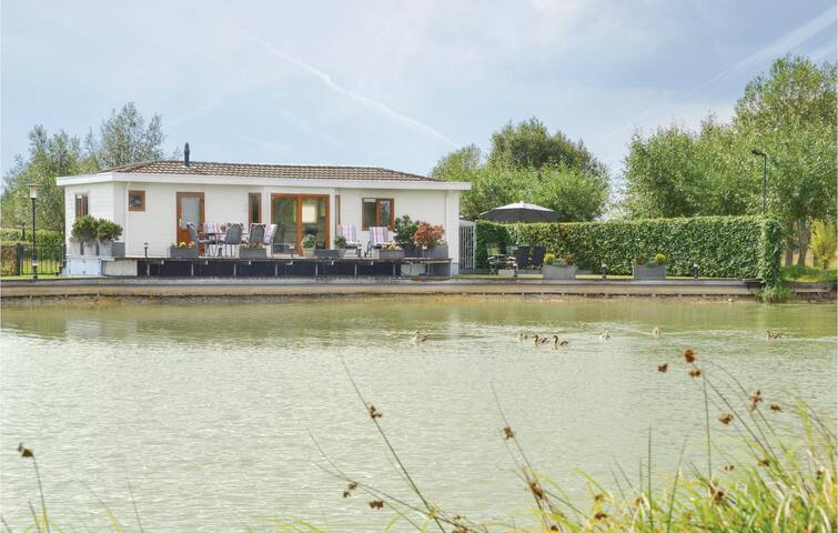 Amazing home in Molenschot with WiFi and 2 Bedrooms