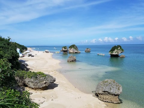 目の前が海!毎日オーシャンビュー!!ビーチまで約200メートル!静かでのんびり~!