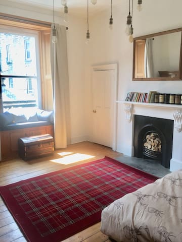 Bread street - Central and spacious one bed flat
