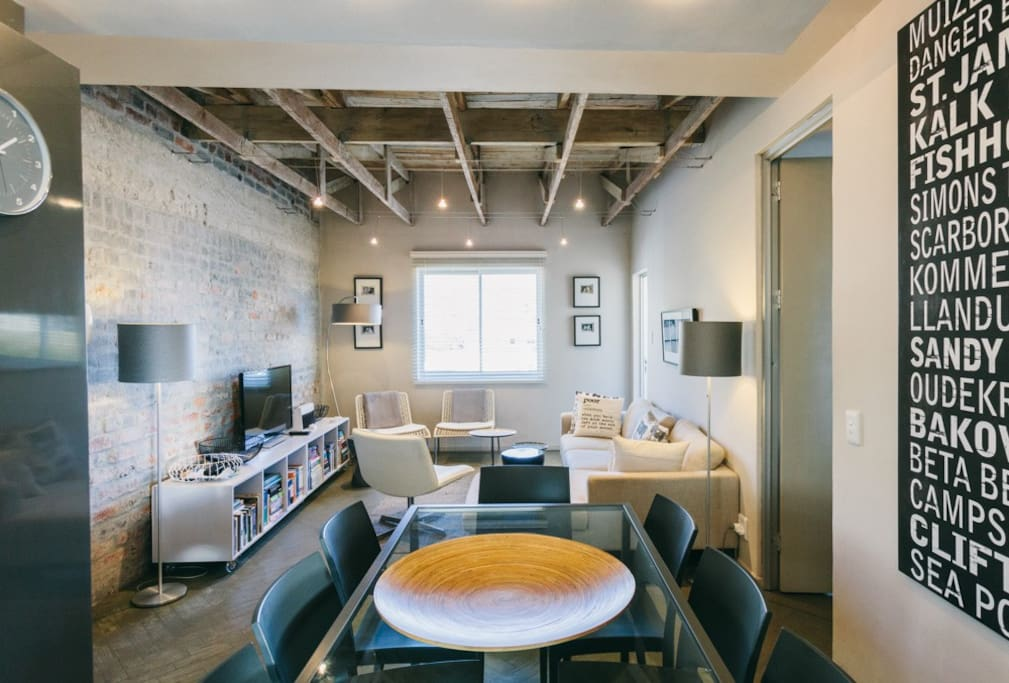 Open plan lounge kitchen area